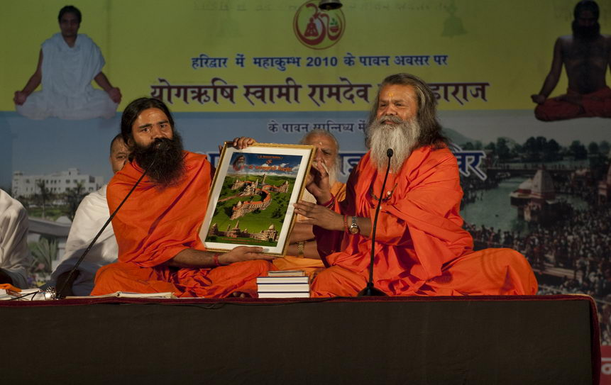 swamiji_with_ramdevji03