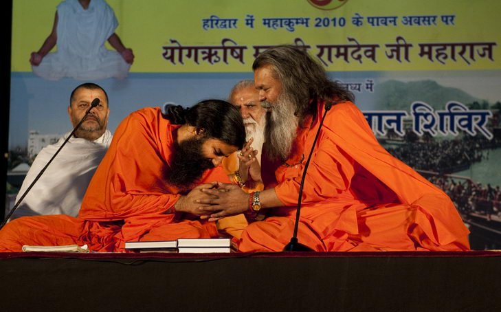 swamiji_with_ramdevji04