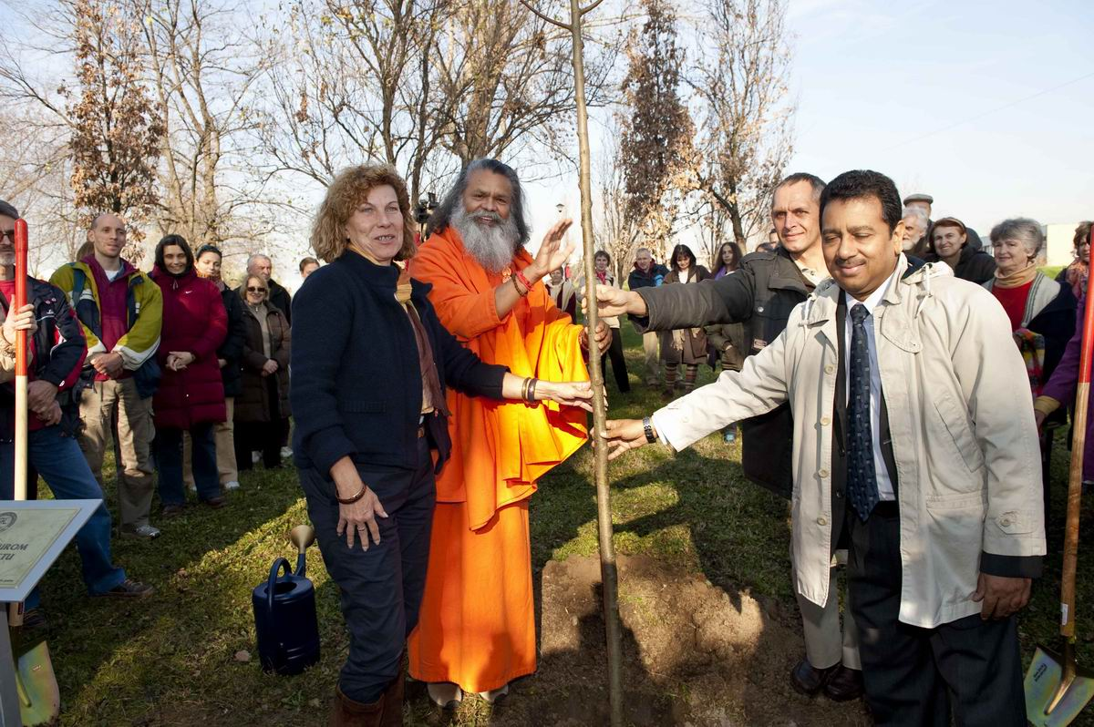 2010_11_26_Planting_of_Peace_Tree_in_Belgrade_D7A1677_web