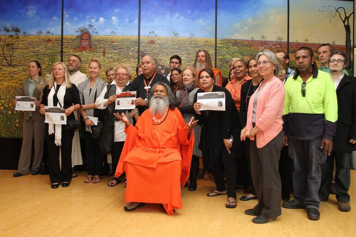 Swamiji_at_Tauondi_Aboriginal_Colleague_in_Adelaide_2_Small