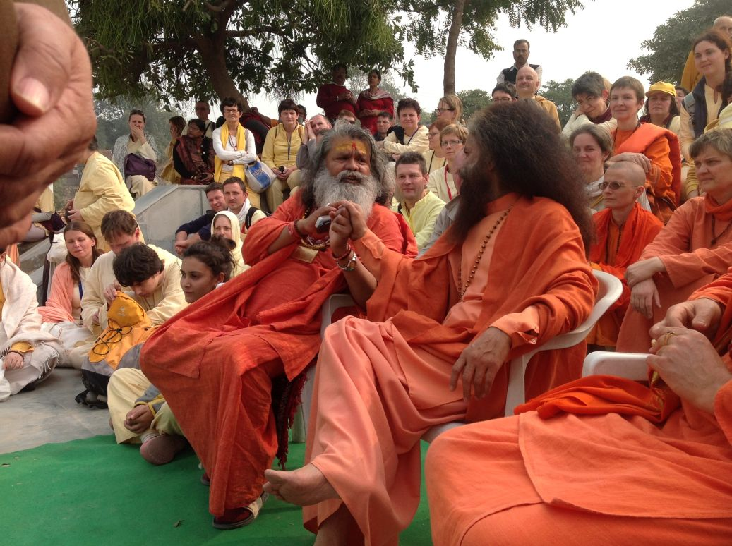 a late arrival pujya swami chidanandji also wishes to bless the peace tree swamijis work