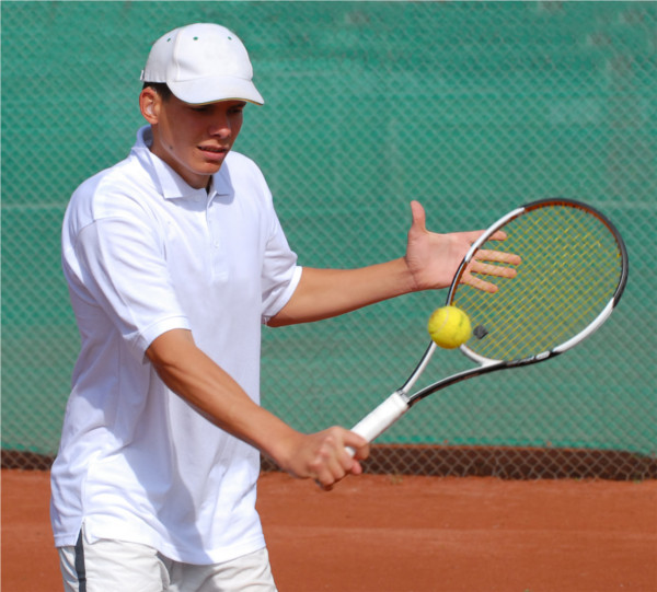 Tennis player from Debrecen, Hungary wins gold medal at Deaflympics