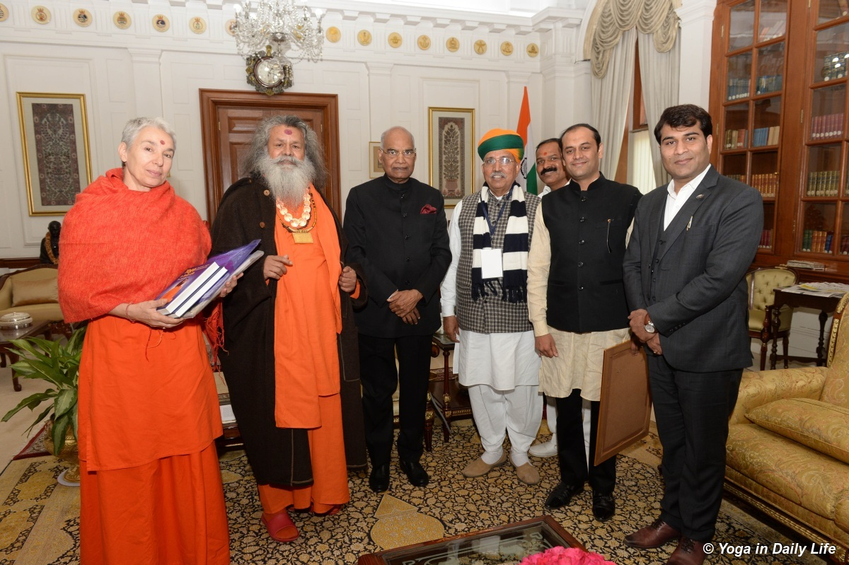 Vishwaguruji meets with President of India