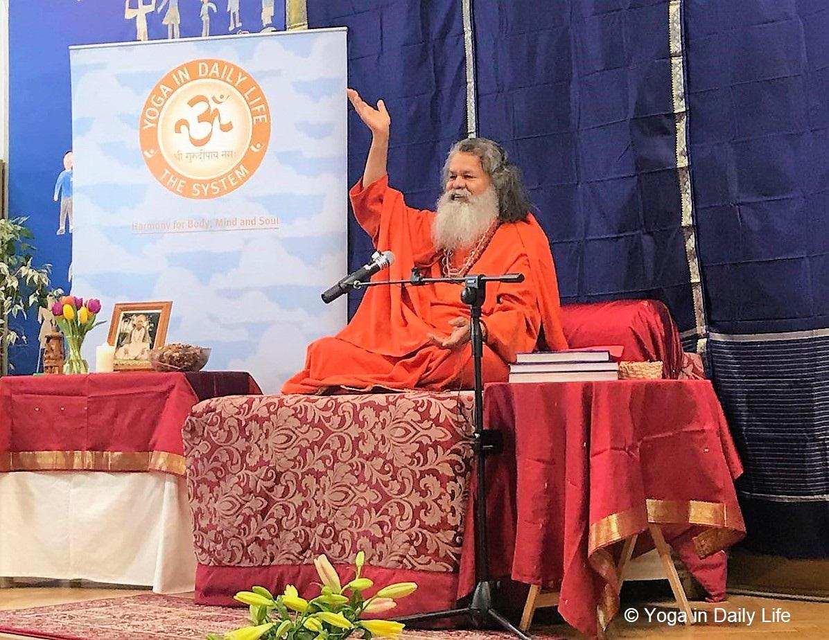 Vishwaguruji inspires all during visit to London