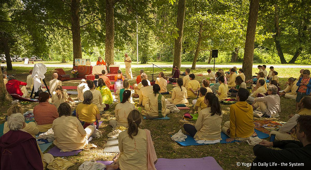 Summer Retreat with Vishwaguruji in Hungary continued with the topic of Hatha Yoga