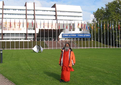 Swamiji takes part at an Expert Colloquy of the European Council in Strasbourg