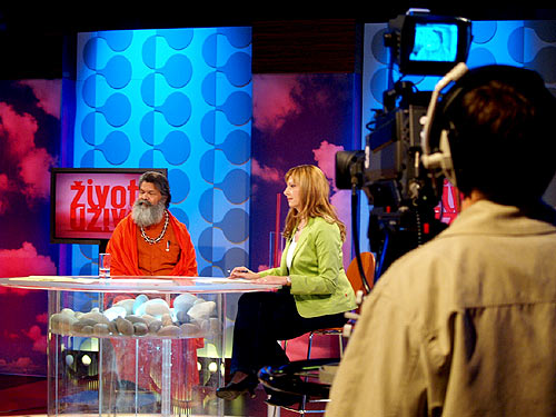 His Holiness Swamiji in Croatian popular TV talk show \'Life Live\'