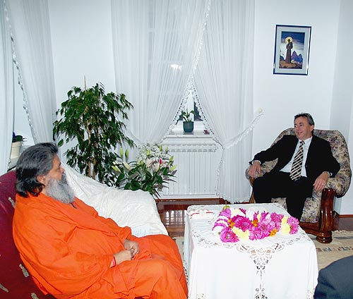 His Holiness Swamiji with Croatian State Secretary Mr. Nevio Setic