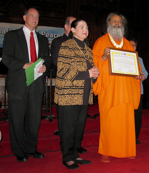 His Holiness Swamiji Receives Title 'Ambassador of Peace'