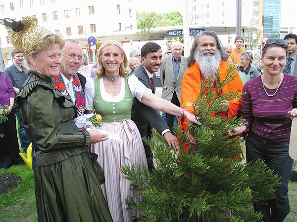 His Holiness Swamiji plants his 25th World Peace Tree in Linz, Austria