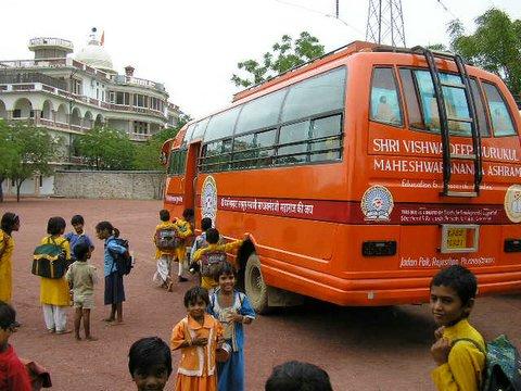 Jadan_Schoolbus